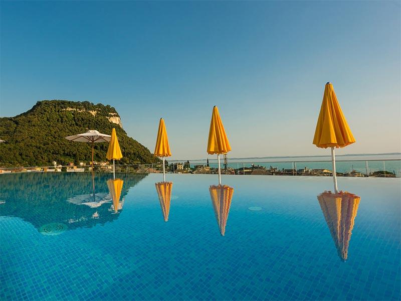 Sky Pool Hotel Sole Garda Garda Vr Italien