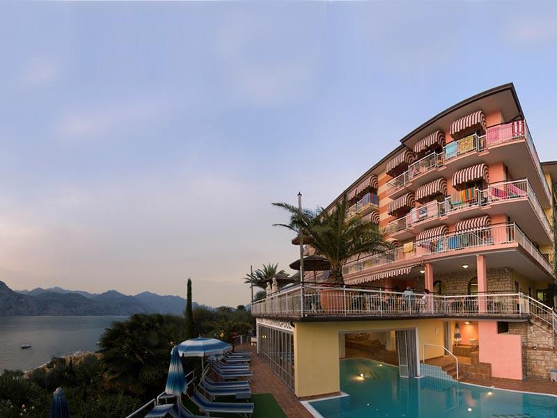 Www Hotels In Garda Direkt Am See De